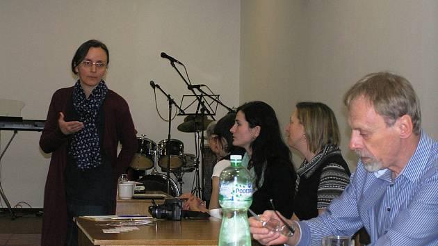 Se zástupci domácí hospicové péče o pomoci umírajícím hovořila Ludmila Novotná.