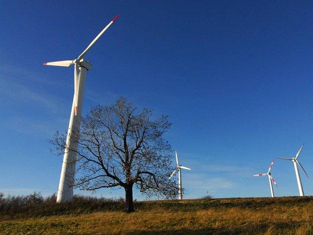 Okolo hranic Chráněné krajinné oblasti Žďárské vrchy by mohlo v příštích letech vyrůst na třicet pět větrných elektráren.