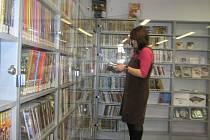 Krajská knihovna Vysočiny má nejbohatší  fond  DVD v republice. To podle Ludmily Bouchnerové je důvodem  proč  počet přihlášek do knihovny stoupá.