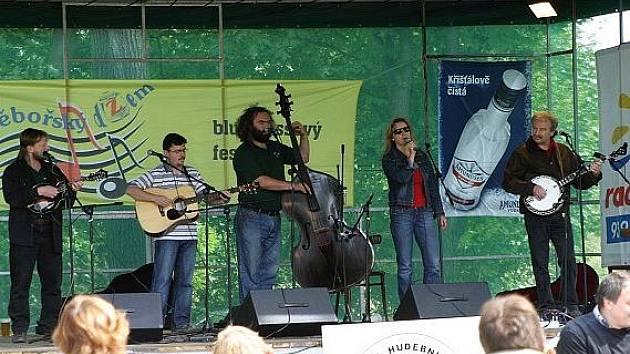 Chotěbořský džem je určen všem, kdo mají rádi nejen country a bluegrassovou hudbu, ale hlavně dobrou náladu a zábavu.