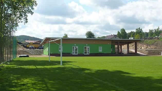 Fotbalový areál v Dolním Městě září novotou