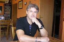 René Kotěra zdědil lásku k veteránům po svém otci. Nyní touží po motocyklu Čechie Böhmerland.