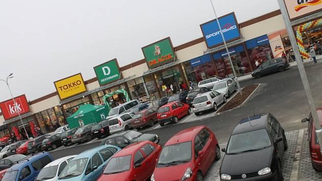 Nový nákupní park v Havlíčkově Brodě.