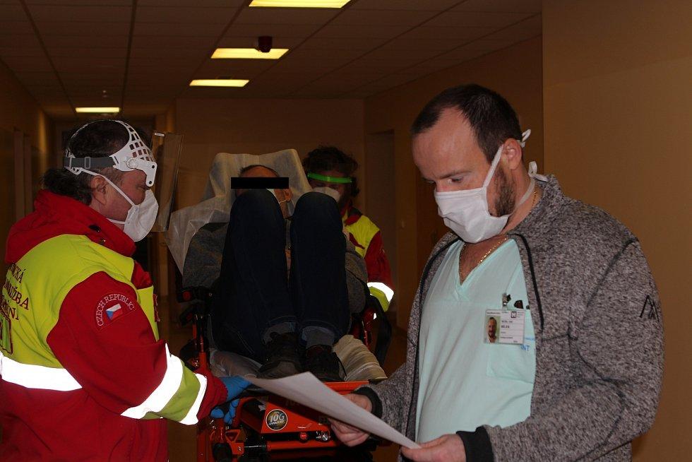 Na takzvané triážovací oddělení přivezou sanitky v průměru sedm pacientů denně.