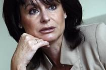 Podle názoru některých lidí není někdejší šéfka státních zástupců Renata Vesecká na funkci místopředsedkyně Energetického regulačního úřadu kvalifikovaná.