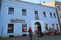Jedinou dceru – Theodoru Wilhelmu Rozálii – Božena Němcová porodila 19. června 1841 v domě č. 47 na dnešním Husově náměstí v Polné.