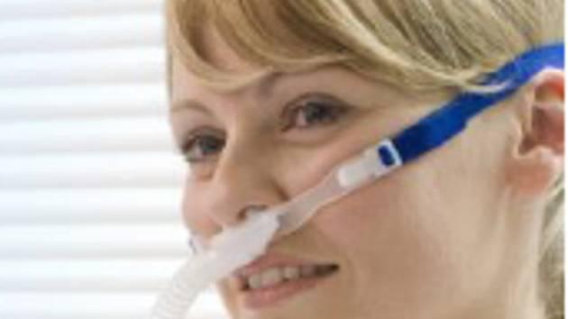 Nové přístroje jsou ke zdraví pacienta šetrnější než běžná plicní ventilace. Ilustrační foto.