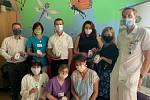 Nadace Křižovatka předala nemocnici celkem 30 monitorů dechu v hodnotě 60 tisíc.