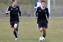 Premiéru má za sebou Filip Jarosz (vpravo) v dresu brodského Slovanu proti Slavoji Polná, radoval se z výhry 3:1.