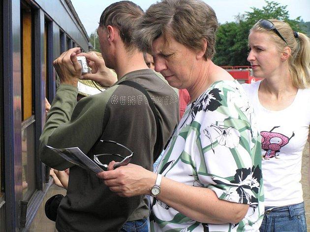 Sobotní program byl zahájen netypicky – jízdou speciálního parního vlaku, kde nechyběly salónní vozy arcivévody Ferdinanda d´Este.