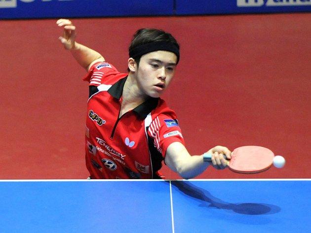 Dva body v prvním finálovém utkání uhrál Masataka Morizono (na snímku), který porazil Bai He a Raitšpiese.