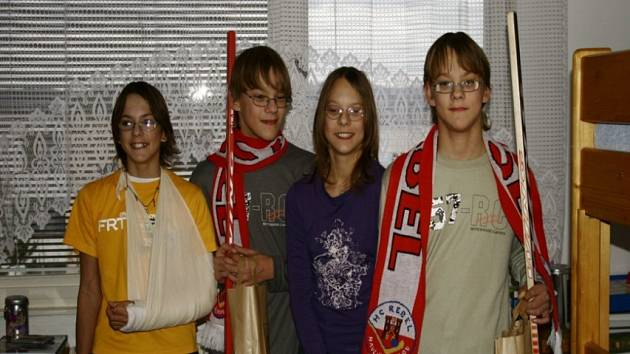 Čtyřčata Ondráčkovi mohou přijít o svou základní školu.
