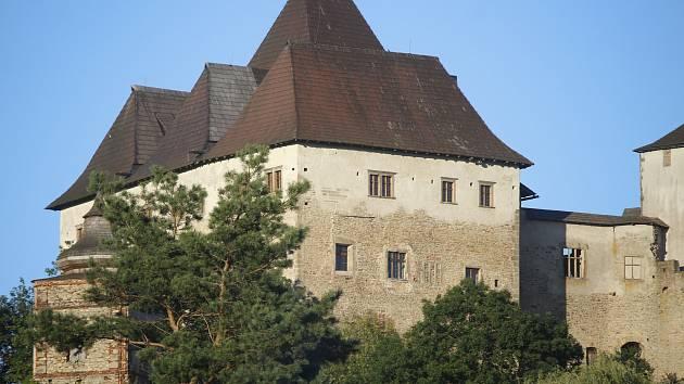 Silnice pod hradem v Lipnici nad Sázavou dostane nový, vhodnější povrch.