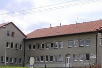 Kvalitní a pestrou výuku nabízí základní škola ve Vilémově, ale žáků není dost.
