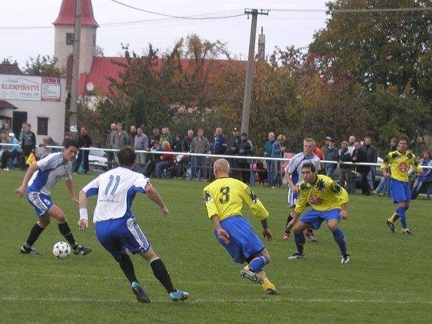 Fotbalisté Přibyslavi vystřídali na prvním místě I. A třídy brodský Herálec, který je aktuálně druhý a ztrácí jediný bod.