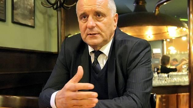 Josef Pavlík.