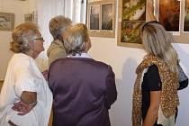 Jedna za druhou. Galerie Doubravka patří k nejmladším, ale za loňský rok stihla otevřít minimálně pět výstav – mimo jiné podzimní výstavu hlineckého fotoklubu (na snímku)