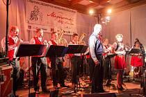 Také letos zařadila dramaturgie do programu šest dechových kapel. Na pódiu se vystřídají Dechový orchestr mladých ZUŠ Chotěboř, Březovanka, Havlíčkobrodská 12, Rebelka, Jižani a Rose band. Jako host vystoupí i Leškovanka.