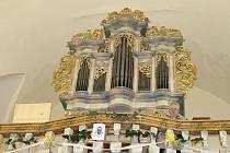 Svěcení varhan v kostele sv. Jana Křtitele v Krásné Hoře.