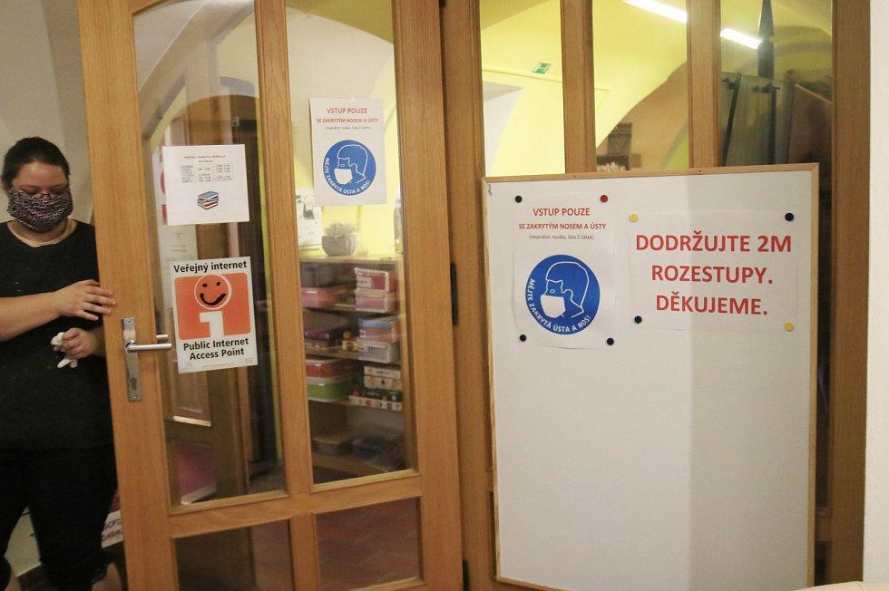 Městská knihovna Přibyslav.