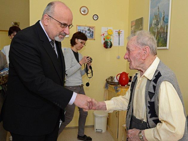 Jaroslav Krédl oslavil 102. narozeniny.