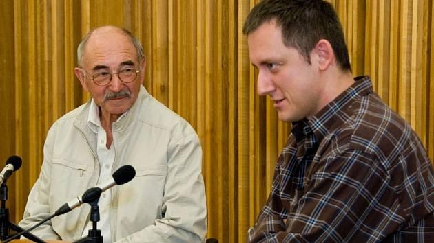 Besedovat se studenty loni přijeli například zahraniční reportéři ČT Zdeněk Velíšek a Michal Kubal.