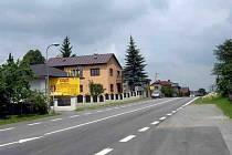 Silnice I/34 ze Ždírce do Benátek je dopravně přetížená a podle Ředitelství silnic volá po opravách.