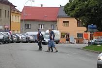 Přechod už neexistuje, ale obyvatelé v Přibyslavi ho ze zvyku používají dál. Nachází se totiž proti jedinému obchodnímu centru, kam chodí celé město nakupovat.