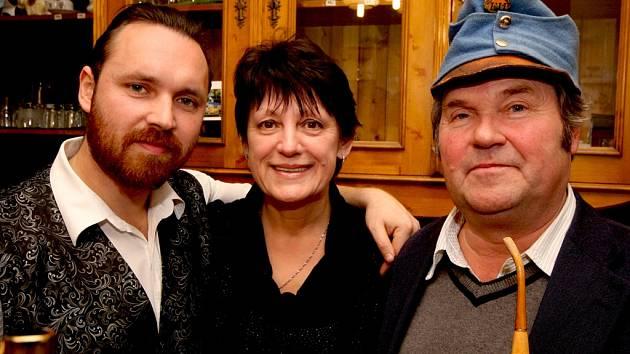 Pravnuk Jaroslava Haška, Martin Hašek (na snímku vlevo), se snaží uchovat rodinnou tradici, a proto každoročně organizuje Haškovu Lipnici. Na svého pradědečka je velmi pyšný. Vpravo Richard, vnuk slavného spisovatele.