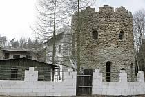Sídlo. Sekta z Kuroslep na Třebíčsku má sídlo v tomto objektu. Pro běžného člověka je však nemožné proniknout dovnitř.
