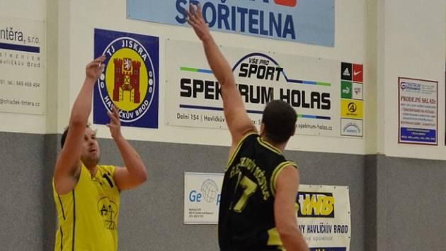 Chřipková epidemie. Ta se podepsala na výkonu a porážce brodských basketbalistů v Novém Bydžově, kde si hráči Jiskry připsali třetí porážku v sezoně.