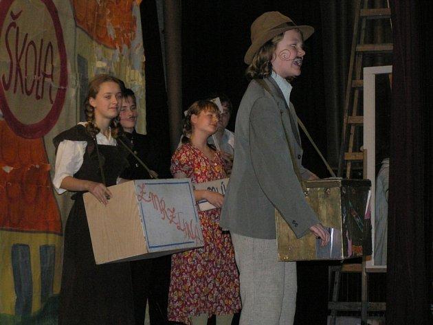 V rámci projektu Zmizelí sousedé byla v minulosti v Chotěboře k vidění například unikátní výstava o Anně Frankové nebo dětská opera Brundibár, která vznikla za války v Terezíně.