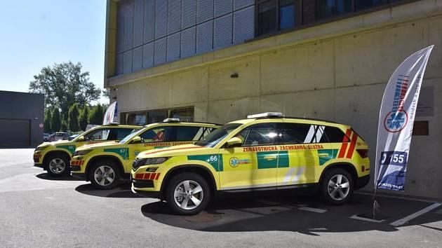 Záchranáři dostali nová auta. Dostanou se rychleji k pacientům