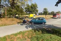 Při nehodě v Chrasticích se zranil motorkář.