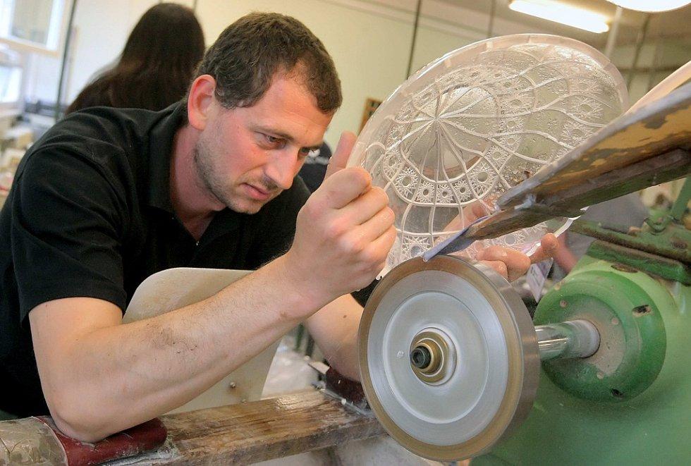 Ve Světlé se představili nejlepší čeští a slovenští brusiči skla, a to jak v ručních tak i strojních technologií.