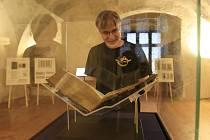 Výstava na lipnickém hradě, jejíž součástí je i vzácná Lipnická bible.