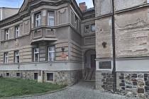 Rodný dům herce a bouřliváka Pavla Landovského.