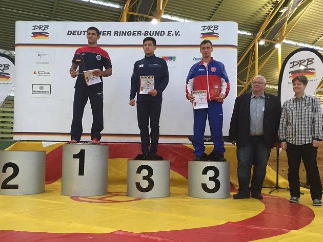 Oldřich Varga (vpravo) dosáhl třetím místem v Dortmundu mimořádného úspěchu.