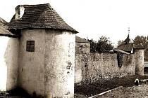 Bašta, spodní část západních hradeb tehdejšího Německého Brodu v roce 1890.