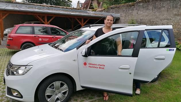 Nové auto pro Oblastní charitu v Havlíčkově Brodě
