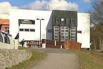 Radnice získala sto procentní podíl ve společnosti, která vlastní budovu kina. Ilustrační foto.