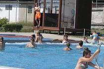 Nejvíc lidí se přišlo v Přibyslavi koupat v červnu a v červenci.