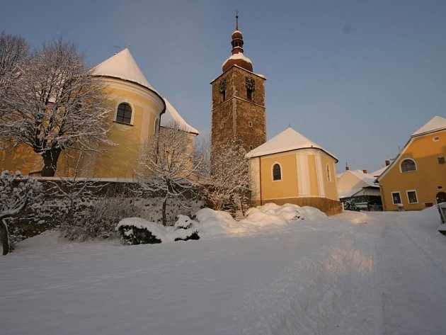 Romantická Přibyslav pod sněhovou pokrývkou.