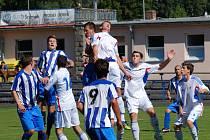 Příděly zatím dostávají na jaře ligoví dorostenci Slovanu na venkovních stadionech. Po debaklu 6:0 v Hlučíně si přivezli čtyřgólovou nadílku z Vítkovic.