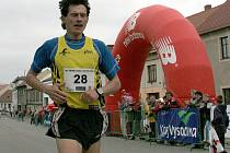 Naturalizovaný český vytrvalec Róbert Štefko zanechal za sebou v Golčově Jeníkově výraznou stopu. Patnáctikilometrový závod vyhrál třikrát.