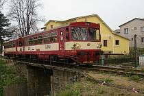 Historii mostu v Lánecké ulici ve Světlé uzavřel osobní vlak č. 9265 jedoucí ze Zruče nad Sázavou do Světlé nad Sázavou, který ve středu 27. dubna ráno přesně v 7.00 hodin přejel po mostě jako poslední.
