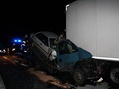 V lednu se stalo na Vysočině 278 dopravních nehod, při kterých zemřeli čtyři lidé. A ani únor nezačal nejlépe. Při pondělních haváriích 21 nákladních a osobních aut kolem 127. kilometru dálnice D1 směrem na Prahu byla škoda vyčíslena asi na 1,8 mil. Kč.
