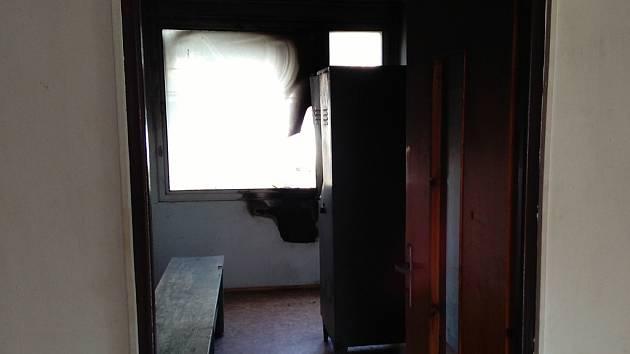 Dvaatřicetiletá žena podle policie minulý čtvrtek úmyslně podpálila kabiny sportovcům TJ Jiskra v Havlíčkově Brodě. Nejhůř dopadla šatna, kde vlivem požáru prasklo okno.