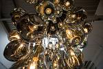 Ve sklárně Bomma ve Světlé nad Sázavou představili designové aukční lahve, jejichž výtěžek půjde na konto Centra Paraple.
