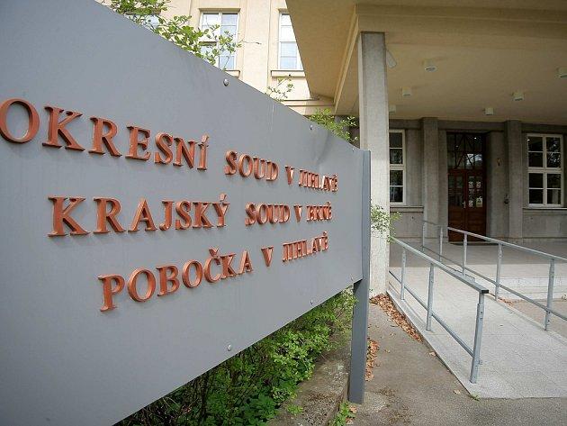 Spor mezi dvěma jihlavskými podnikateli řeší v těchto dnech jihlavský okresní soud. Loni v říjnu došlo mezi muži k několika nepříjemným incidentům.  Ilustrační foto: